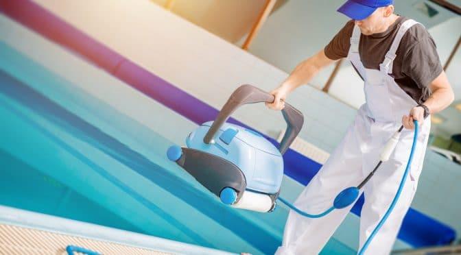 טכנאי בריכות שחייה בצפון. פתרון תקלות והתקנת ציוד לבריכות שחייה בצפון