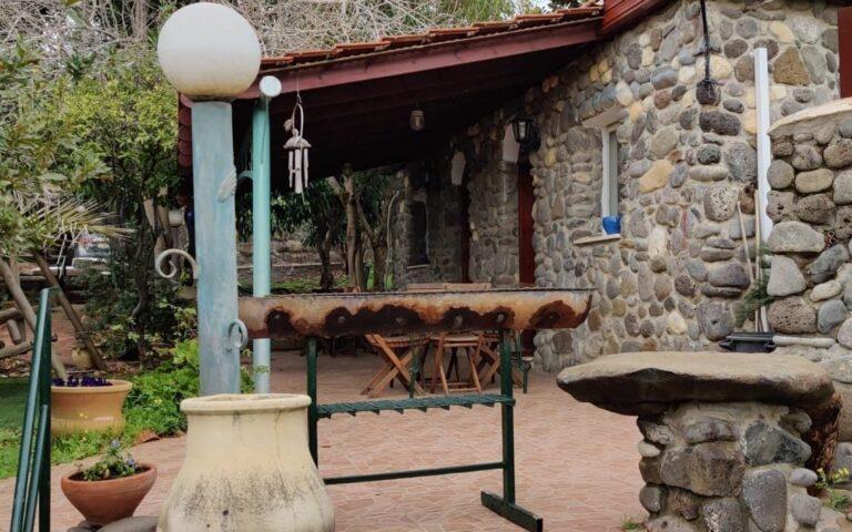 מתחם צימרים כפריים בחד נס - בוסתן חדרי אירוח לזוגות ומשפחות